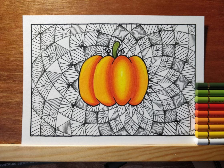 Étape 5 : coloriage de la citrouille aux crayons de couleur